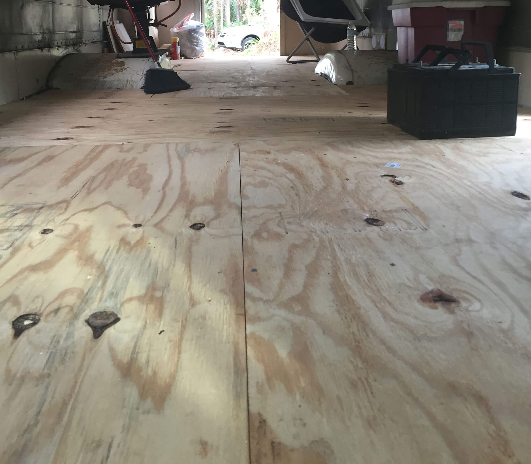 skoolie subfloor finished